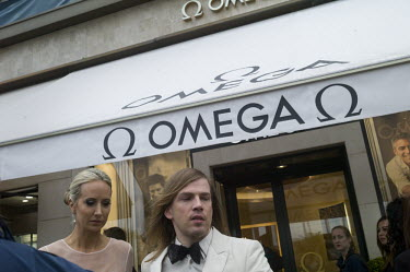 France, Cannes, 13 May 2016~Film festival de Cannes. Omega shop, boutique op de Boulevard~Jet.../Jet Budelman