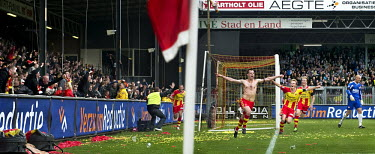 Nederland, Deventer, 13-05-2010.~Voetbal, Nationaal, PLay Off's, Degradatie.~Go Ahead Eagles -.../Klaas Jan van der Weij