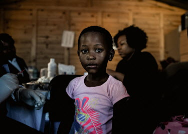 Johannesburg 160517 - Children are getting vaccinated against measles at an mobile clinic in.../Frank Trimbos