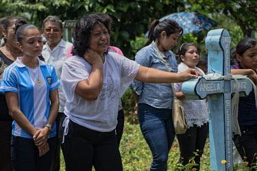 Central America - Nicaragua, Monimbo: Azucena Lopez (center) weeps over the death of her son Eric.../Juan Carlos