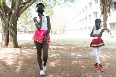 24092020 Johannesburg- Jabulile and Lesego are wearing a face mask during Heritage Day.  With.../Frank Trimbos