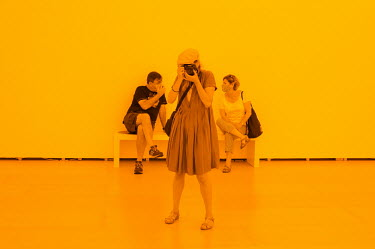 'Room for one colour' van Olafur Eliasson/Unai Risue�o
