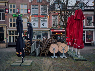 Europe, The Netherlands, Noord-Holland, Alkmaar, Pre Christmas COVID-19 Lockdown Nederland.../Miquel Gonzalez