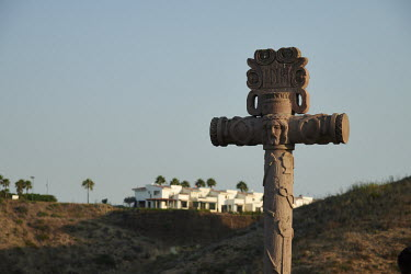 Religious cross in a village in Mexico/Sash Alexander