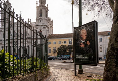 Portugal, Estrela, Lisbon. 2021-01-04. Posters that pay tribute to Carlos do Carmo can be seen all.../Ernst Schade