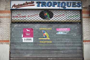 FRANCE - ANIMAL SHOP CLOSURE - ANIMAL TRADE/Sandra Fastre / Hans Lucas