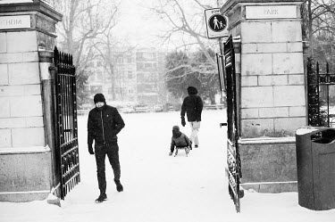 Sneeuw in Amsterdam / Snow in Amsterdam/Unai Risue�o