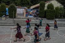 Vrouwen in Guatemala houden van Basketball