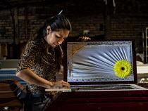 Doodskisten maken in El Salvador